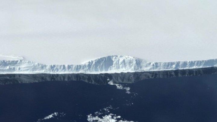 Primele fotografii cu ghețarul uriaș care s-a rupt din Antarctica (FOTO)