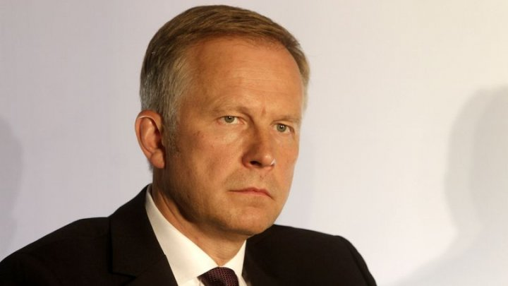 Scandal de amploare în Letonia. Guvernatorul băncii centrale, reţinut