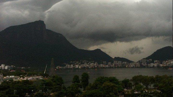 O furtună puternică, însoţită de ploi torenţiale, a făcut patru victime la Rio de Janeiro