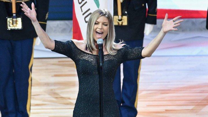 Cântăreaţa Fergie și-a cerut scuze pentru prestaţia de la gala All-Star Game (VIDEO)