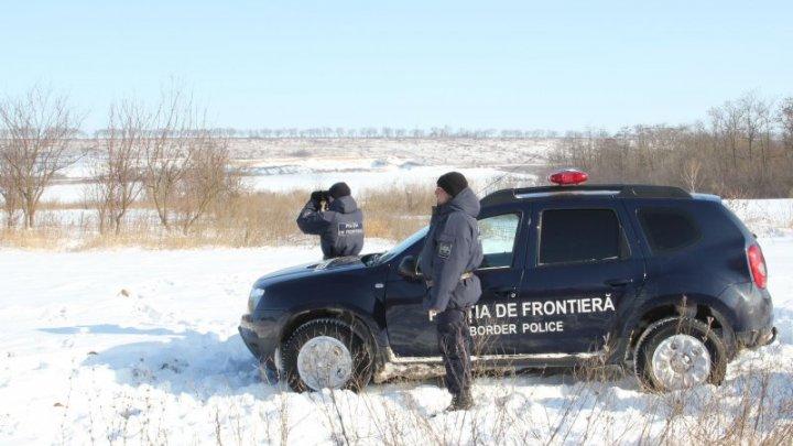 A vrut să-și încerce norocul. Un bărbat de 52 de ani fără documente și cu interdicție de intrare în Ucraina, prins la vamă
