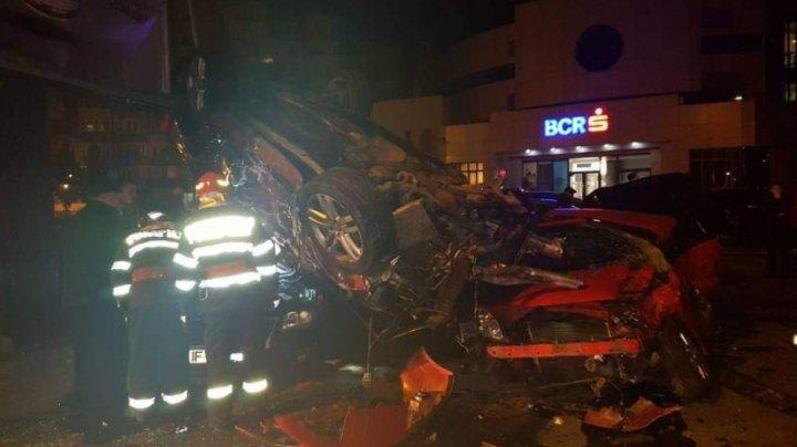 Şoferiţa care a distrus 10 maşini în România, a încurcat frâna cu acceleraţia (FOTO)