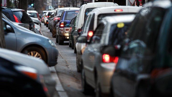 ATENŢIE, ŞOFERI! Circulaţia rutieră, suspendată pe strada Sfântul Gheorghe