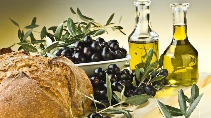Bine de ştiut! Beneficiile uleiului de măsline amestecat cu sucul de lămâie