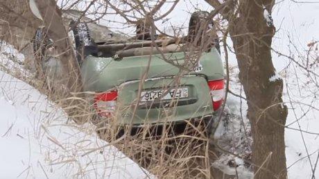 O mașină de la școala auto Hîncești s-a răsturnat în șanț (VIDEO)