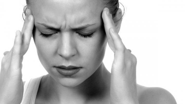 Bine de ştiut! Care e diferenţa dintre migrenă și durerea de cap