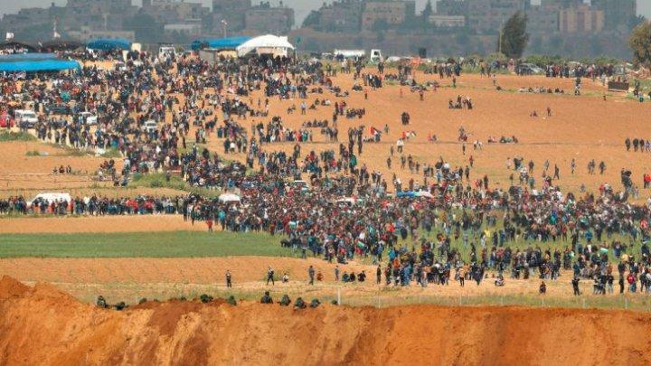 RĂZBOI în Fâșia Gaza: Armata israeliană a ucis cinci protestatari palestinieni, iar alți o sută sunt răniți