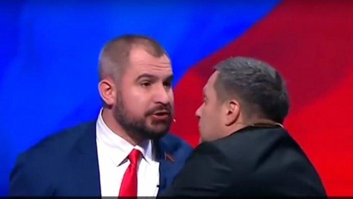 Spectacol pugilistic la dezbaterile televizate din Rusia!  Suraikin a sărit la bătaie. Sobciak a intervenit să despartă bătăușii (VIDEO)