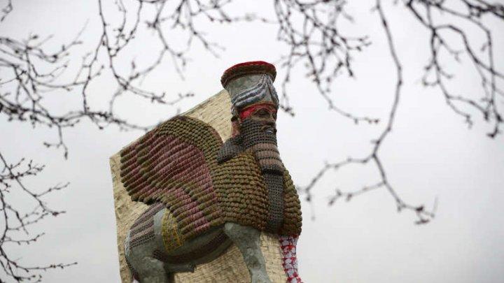 O statuie irakiană, distrusă de jihadişti, a fost reconstituită la Londra