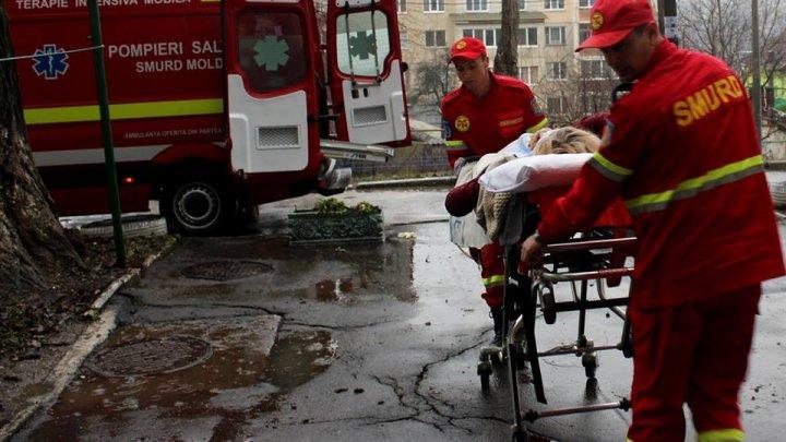 Moldoveanca internată într-un spital din Italia, adusă în țară de un echipaj SMURD (FOTO)