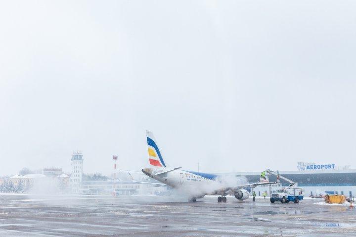 Aeroportul Internațional Chișinău face față cu succes ninsorilor abundente
