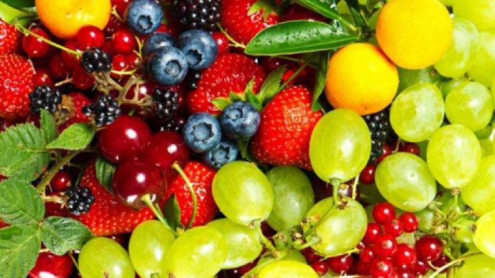 BINE DE ŞTIUT! Când trebuie să consumi fructe. Află ce spun medicii!