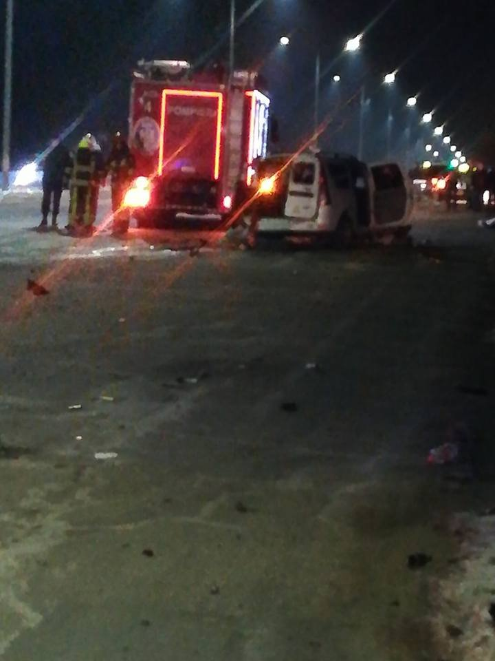 ACCIDENT DE GROAZĂ în Capitală: Un taximetrist a murit, iar pasagerul, transportat în stare gravă la spital