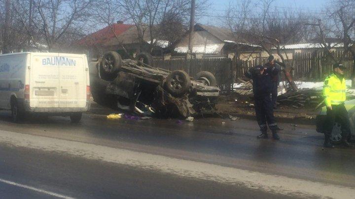 Accident de groază la Peresecina. Un automobil a fost făcut zob (VIDEO/FOTO)