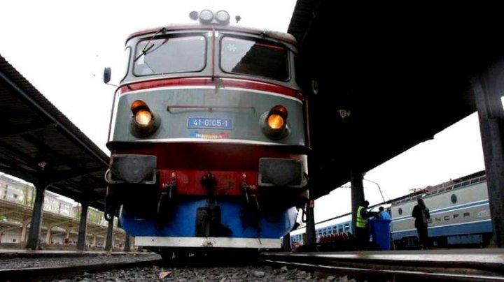 Cutremurător! Un adolescent, lovit de tren în gara din Ploiești. Tânărul de 17 ani e în comă la spital