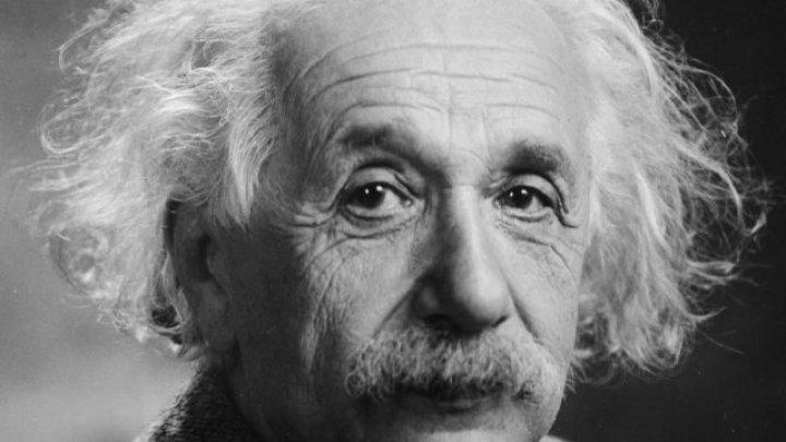 Albert Einstein, sărbătorit astăzi. Ce știu moldovenii despre fizician