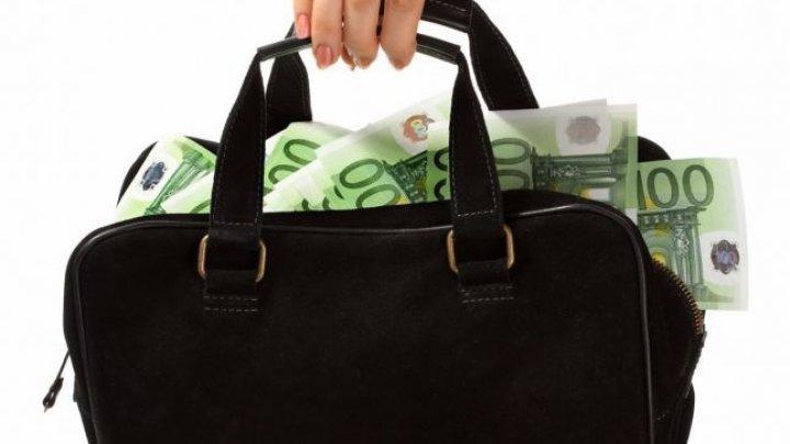 Sintagma banii n-aduc fericirea, infirmată de cercetători. Moduri ideale în care pot fi cheltuiţi