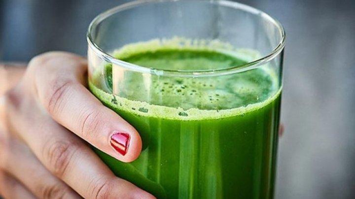 Băutura care ajută la detoxifierea rinichilor și curăță sângele de toxine