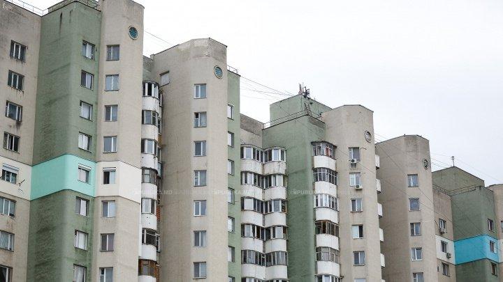 ŞOCANT! O bătrână a murit după ce a fost aruncată de nepot de la etajul zece