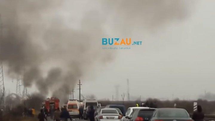 Tragedie fără margini în România! Au murit carbonizați, după ce mașina lor a fost lovită frontal (VIDEO)