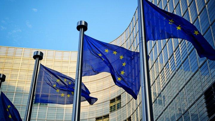 Comisia Europeană propune introducerea unei taxe digitale la nivel comunitar pentru companii precum Google şi Facebook