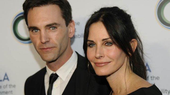 Bat clopote de nuntă la Hollywood. Courteney Cox şi iubitul său vor organiza două ceremonii pe două continente