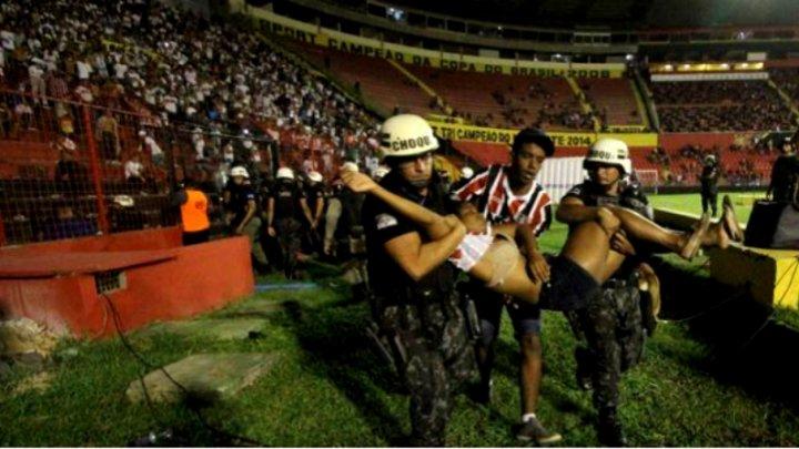 Măcel pe stadionul din Recife. Peste 60 de răniți la derby-ul statului Pernambucano, Sport – Santa Cruz