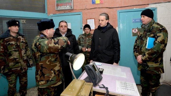 Batalionul 4 antiaerian al Regimentului de Rachete Antiaeriene, inspectat de ministrul Apărării