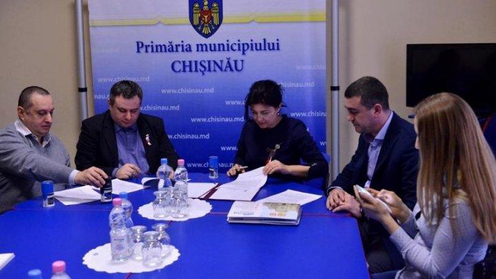 Semnarea acordului de colaborare între Primăria Chișinău și ONG-urile ce reprezintă persoanele cu disabilităţi