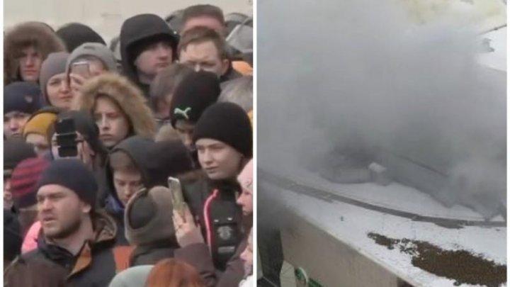 Proteste de amploare la Kemerovo, după incendiul devastator de duminică. Oamenii cer demisia în masă a autorităților (LIVE VIDEO)
