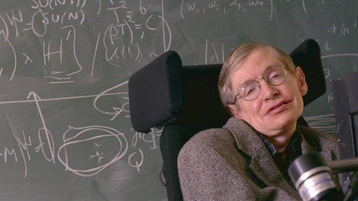 A murit renumitul fizician şi scriitor britanic, Stephen Hawking