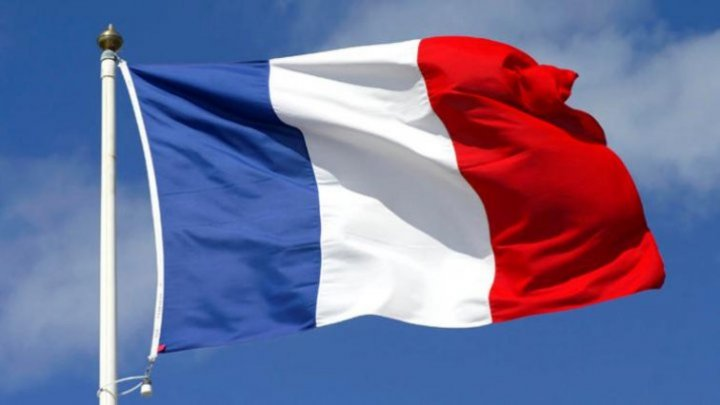 Emmanuel Macron doreşte să reducă numărul de parlamentari cu 30%