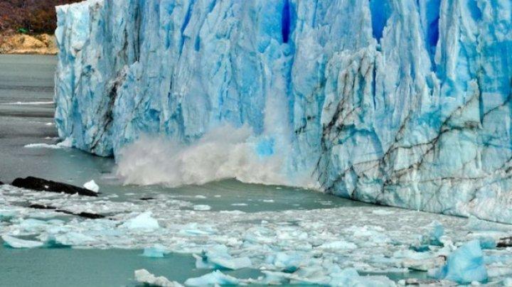 Imagini spectaculoase în Argentina! O bucată uriaşă s-a rupt dintr-un gheţar