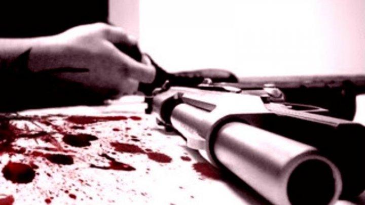 Zăcea într-o baltă de sânge. Un bătrân din Vadul-lui-Vodă, găsit ÎMPUŞCAT. Ce spune Poliţia
