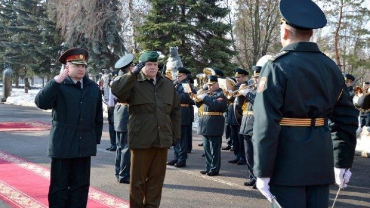 Lituania salută reforma armatei ţării noastre şi este dispusă să ofere sprijinul necesar