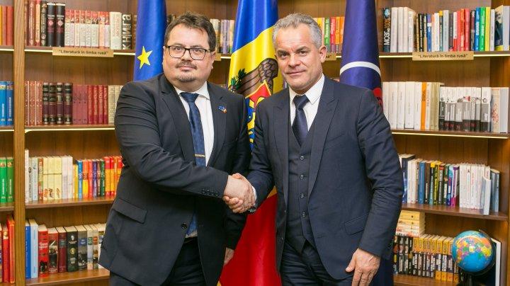Întâlnire de lucru a liderului PDM, Vlad Plahotniuc cu Ambasadorul UE la Chișinău, Peter Michalko