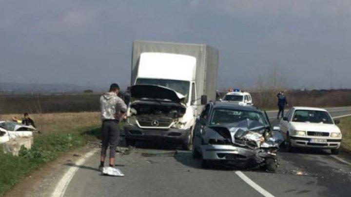 ACCIDENT MORTAL ÎN ROMÂNIA! Un şofer a provocat o tragedie, după ce a suferit o criză de diabet la volan