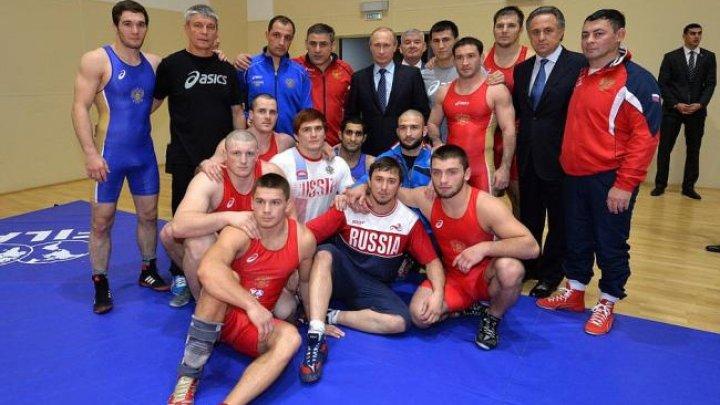 SUA a refuzat să le acorde vize selecţionatei ruse de lupte libere
