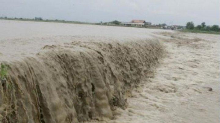 Inundaţii în zeci de localităţi din sudul României. Centura Capitalei, sub ape