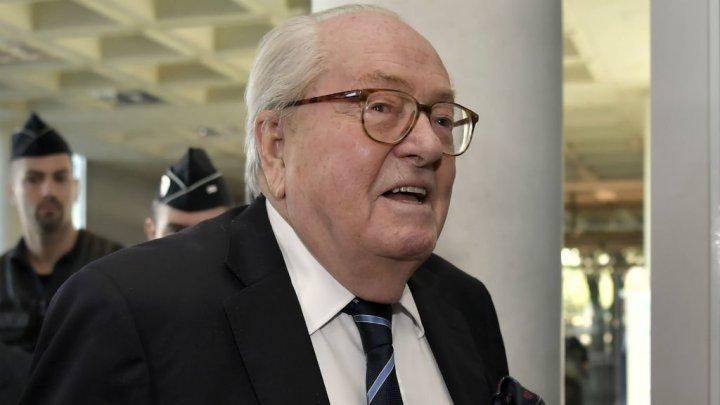 """Jean-Marie Le Pen va plăti o amendă de 30.000 de euro după ce a calificat camerele de gazare un """"detaliu"""" al istoriei"""