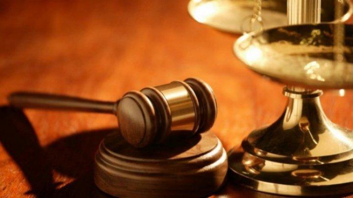 Minore exploatate sexual de un avocat din Capitală. Inculpatul va da explicaţii judecătorilor