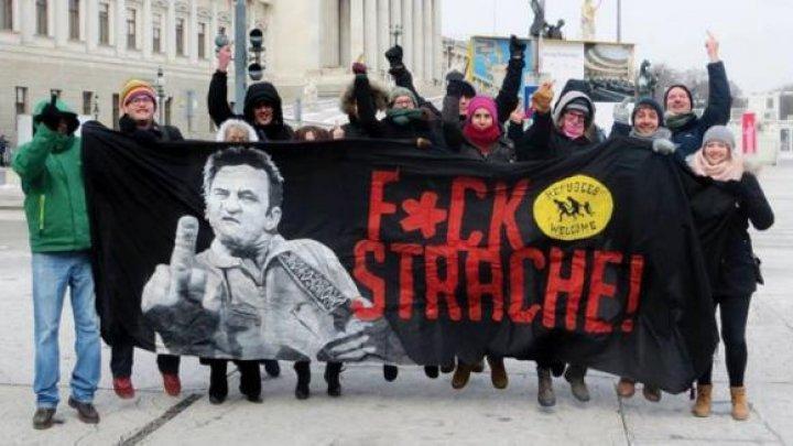 Decizie neaşteptată! Austriecii pot să-i înjure și să le arate semne obscene politicienilor