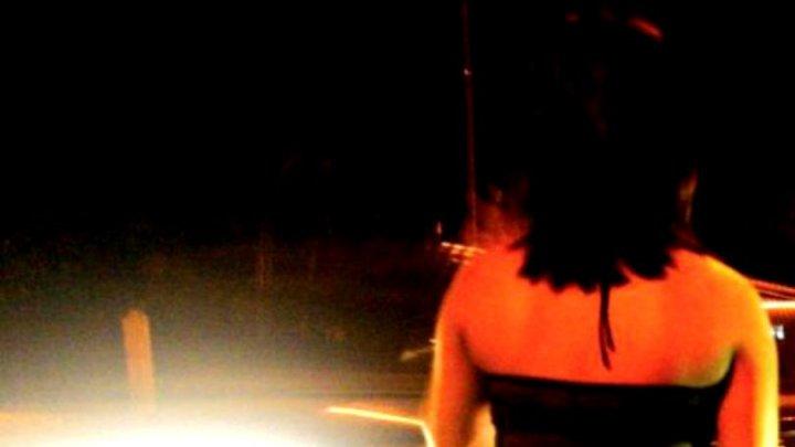 Incredibil! O fată de 14 ani s-a prostituat de 35 de ori pentru a-și cumpăra un smartphone