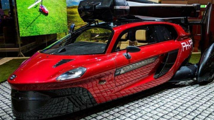 Seamănă cu un elicopter şi poate atinge până la 160 km/h. Care este preţul maşinii zburătoare Pal-V Liberty