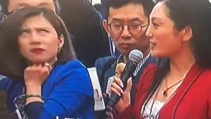 VIRAL PE INTERNET! Momentul când o jurnalistă își exprimă plictiseala într-o conferință de presă în China (VIDEO)