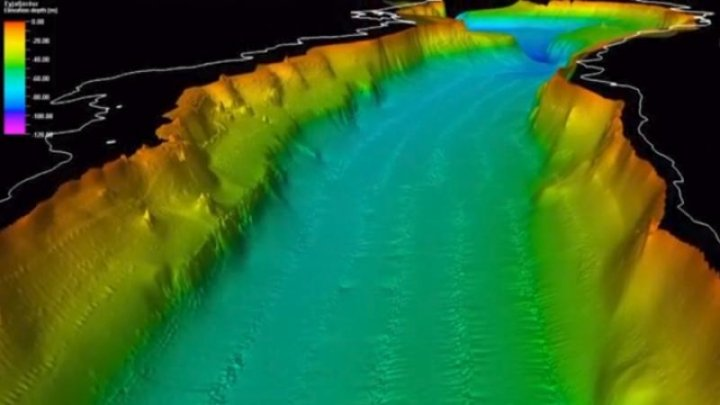Geologii, bulversaţi de cele șapte cratere misterioase din Islanda. Nu au nicio explicaţie