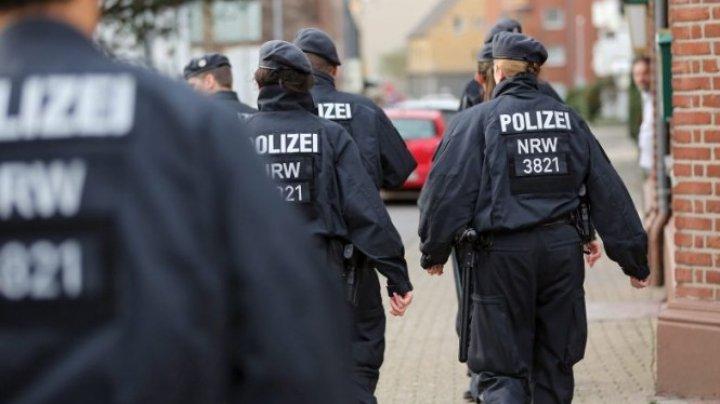 Cinci persoane sunt căutate pentru tentativă de omor, după un incendiu împotriva unei moschei din Germania