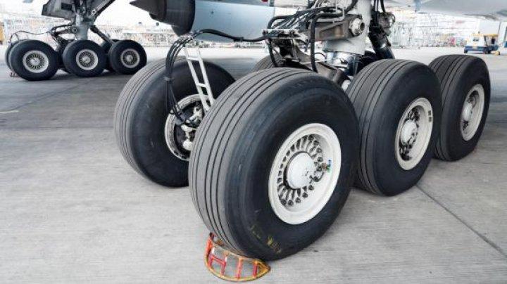 Pilot reţinut pe aeroportul german Stuttgart, după ce s-a urcat băut la manşă