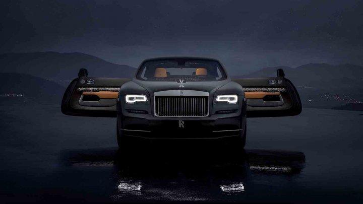 Rolls-Royce lansează Wraith Luminary, modelul cu plafon cu stele căzătoare, lemn perforat și o țesătură realizată din oțel