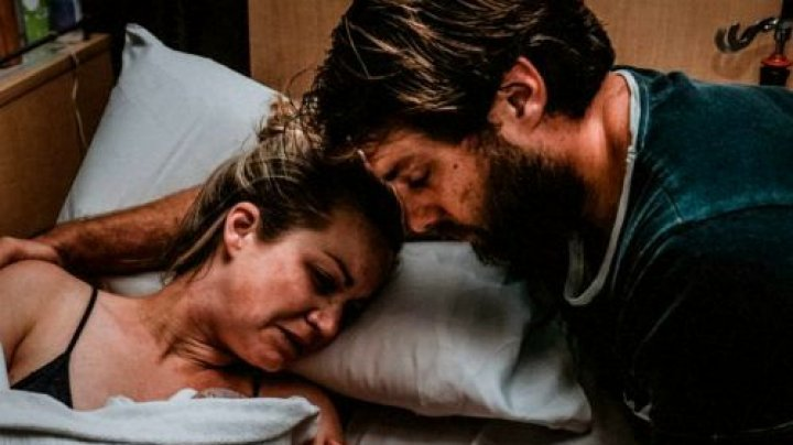 Momentul cutremurător în care o mamă își ia rămas bun de la copilul născut mort (FOTO)